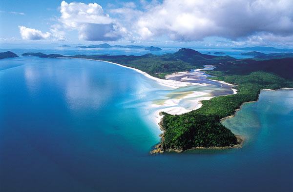 Aerial Hill am Whitehaven Beach (Foto: Tourism Queensland)