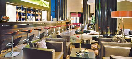 "Schick gestaltet: Die ""Shinto Bar and Lounge"" des Westin Grand (Foto: Westin Leipzig)"