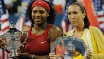US-Open-Gewinnerin Serena Williams (li.) und Jelena Jankovic (Foto: AFP)