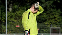 Robert Enke bricht das Training ab. (Foto: imago)
