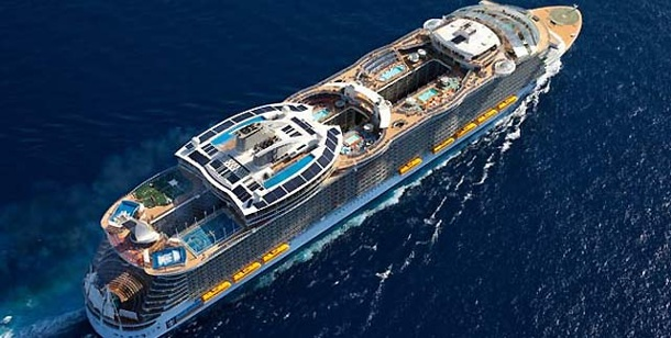 """Oasis of the Seas"": Der Gigant der Meere. ""Oasis of the Seas"": Kreuzfahrtschiff der Superlative (Foto: Royal Caribbean International)"