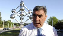Radsport: Klare Worte von Eddy Merckx für Contador. Eddy Merckx is not amused. (Foto: imago)