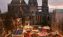Weihnachtsmarkt in Aachen (Foto: dpa)