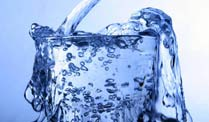 Stiftung Warentest: Gutes Mineralwasser gibt&apos;s schon fr 13 Cent/Liter. (Foto: imago)