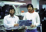 Steve Wozniak (links) und Steve Jobs. (Quelle: dpa)
