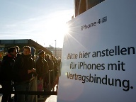 Fan-Ansturm beim Start des iPhone 4S. (Quelle: dapd)