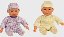 Pöbelnde Puppe empört Eltern in den USA. You & Me Interactive Play & Giggle Triplet Dolls (Quelle: Toys