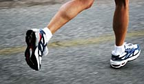 Joggen oder Walken? (Quelle: Thinkstock by Getty-Images)