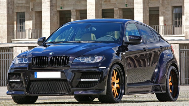 BMW X6 Tuning: Bruiser von CLP Automotive mit goldenen Felgen. Richtig martialisch wirkt der BMW X6 Bruiser nach der Sonderbehandlung durch CLP Automotive. (Quelle: CLP Automotive)