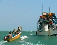 Piraten vor Somalia (Quelle: Reuters)