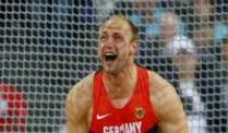 Olympiasieger Harting siegt zum 31. Mal in Folge. Robert Harting blieb auch im 31.