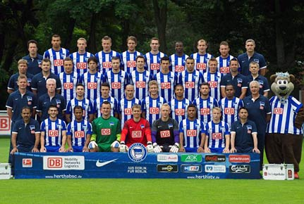 Mannschaftsfoto von Hertha BSC Berlin aus der Saison 2012/2013. (Quelle: imago)