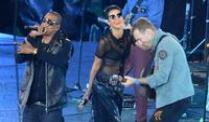 stimmen zu den Paralympics in London. JAY Z, Rihanna und Coldplay-Frontmann Chris Martin (v.