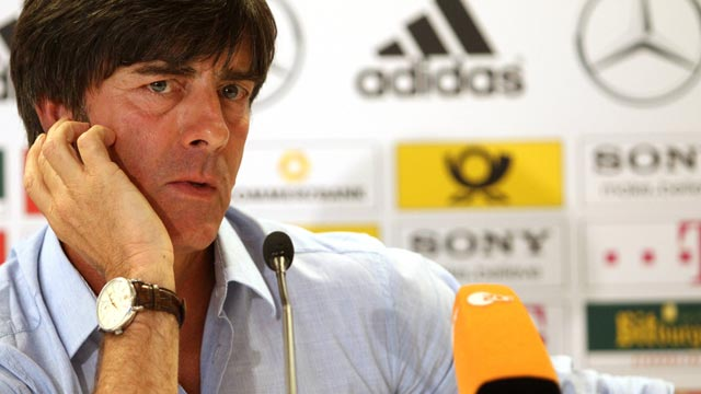 Joachim L&ouml;w lobt Gegner &Ouml;sterreich vor dem Duell.