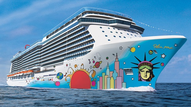 "Norwegian Breakaway: Salzgrotte und bunter Rumpf. ""Norwegian Breakaway"": Pop-Art-Kunst auf dem Rumpf (Quelle: Norwegian Cruise Line)"