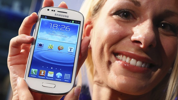 Samsung Galaxy S3 mini ist sehr mager ausgestattet. Samsung Galaxy S3 Mini in Frankfurt vorgestellt. (Quelle: Reuters)