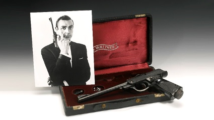 James Bond mit Luftpistole: Sean Connerys Walther PPK war nicht echt. (Quelle: sothebys.com)