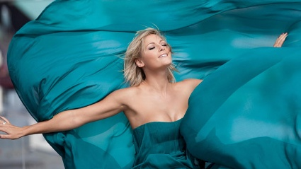 Helene Fischer prsentiert ihre Live-CD &quot;Fr einen Tag&quot;. (Quelle: Christian Mai, Sophia Lukasch / EMI Music)