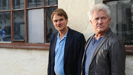 Batics (re.) neuer Kollege Gisbert (li.) wird in dem &quot;Tatort&quot; gettet. (Quelle: Bayerischer Rundfunk)