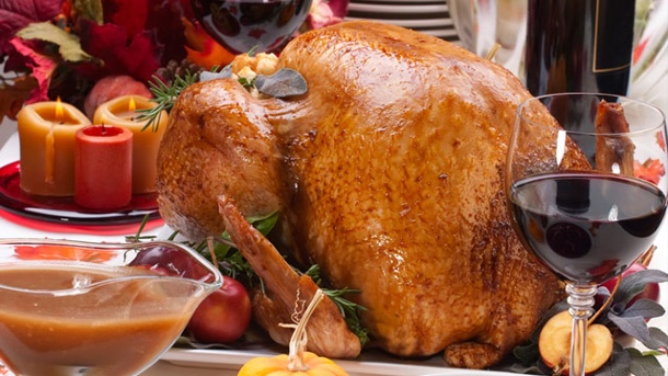 Gänsebraten: Zur Weihnachtsgans passt Spätburgunder aus dem Barriquefass . Zum deftigen Gänsebraten passt ein im Barriquefass gereifter Rotwein. (Quelle: Thinkstock by Getty-Images)
