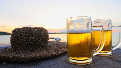 Das Bier zum balinesischen Sonnenuntergang knnte bald Geschichte sein (Quelle: Thinkstock by Getty-Images)