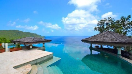 "Infinity Pool in der ""Tropical Hideaway Villa"" auf der Grenadineninsel Bequia (Quelle: TripAdvisor)"