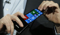 Biegsames Handy-Display von Samsung (Foto: AP)