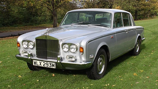 Rolls-Royce von Freddie Mercury für 90.000 Euro versteigert. Rolls-Royce Silver Shadow von Freddie Mercury (Quelle: AFP PHOTO/COYS AUCTION HOUSE)