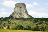 Devil's Tower, Bear Lodge Mountains/Black Hills, Wyoming. (Quelle: Thinkstock by Getty-Images)