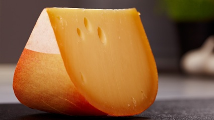 Stiftung Warentest: Gouda vom Laib schmeckt besser. (Quelle: Thinkstock by Getty-Images)