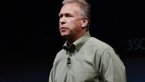 Marketing-Chef Phil Schiller auf einer Apple-Präsentation im September 2012. (Quelle: imago/Xinhua)