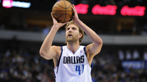 Mavericks stolpern zum Pflichtsieg - Miami Heat unaufhaltsam. Dallas-Superstar Dirk Nowitzki in Aktion. (Quelle: imago / ZUMA Press)