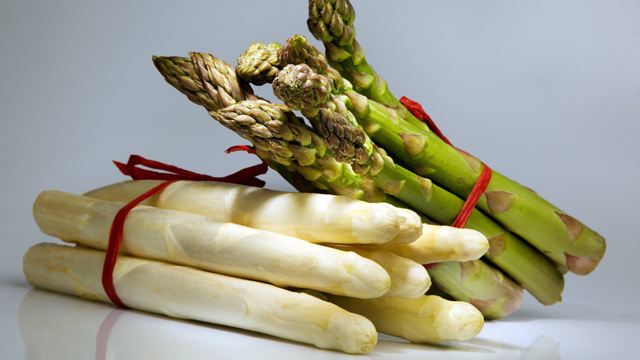 Spargel einkaufen: Wie erkennt man frischen Spargel?