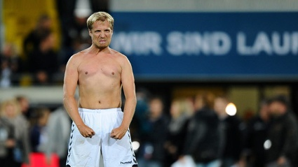 oliver-pocher-hier-in-balotelli-pose-ver