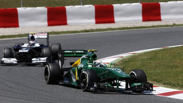 Formel 1 droht Kollaps wegen zu teurer Motoren. Wer soll das bezahlen? Caterham (re.) und Williams beim Rennen in Barcelona. (Quelle: imago/LAT Photographic)