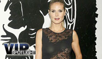 Vierfach-Mama Heidi Klum zeigt ihren Traum-Body (Screenshot: Bitprojects)