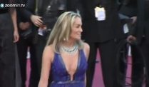 Sharon Stone stiehlt in Cannes allen die Show (Screenshot: ZoomIn)
