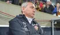 Dynamo Dresden: Peter Pacult will Trainer bleiben. Peter Pacult will seinen Vertrag in Dresden erfüllen.
