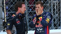 Sebastian Vettel (re.) und Red-Bull-Teamchef Christian Horner sehen die Mercedes-Tests kritisch. (Quelle: imago/Crash Media Group)