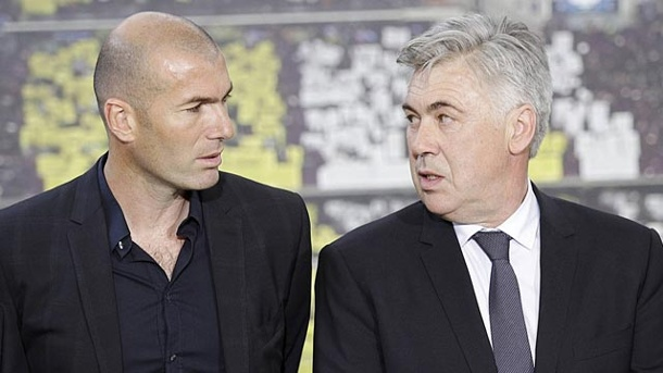Real Madrid: Zinedine Zidane wird Co-Trainer von Carlo Ancelotti. Zinedine Zidane assistiert Carlo Ancelotti bei Real Madrid. (Quelle: imago/IPA Press)