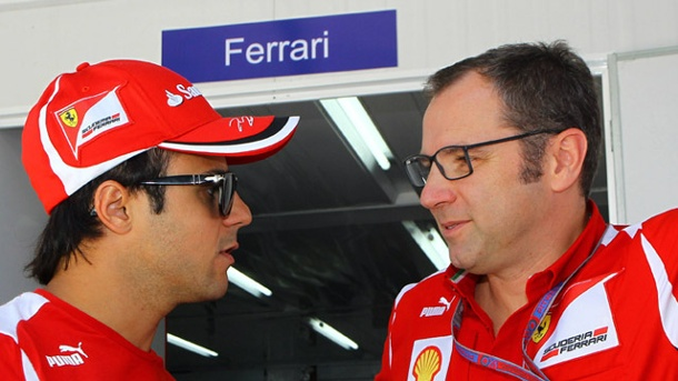 Formel 1: Ferrari setzt auf Felipe Massa. Ferrari-Teamchef Stefano Domenicali (re.) stärkt Felipe Massa den Rücken. (Quelle: imago/Crash Media Group)