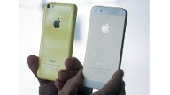 Apple iPhone 5s und iPhone 5c (Quelle: dpa)