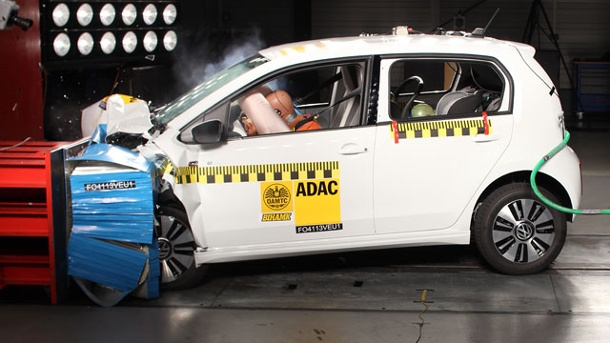 VW e-up! Crashtest: Elektroauto schneidet hervorragend ab. Crashtest VW e-up! (Quelle: ADAC)