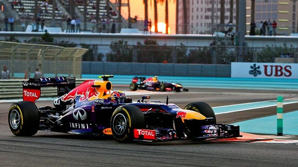 Qualifying in Abu Dhabi: Mark Webber schlägt Sebastian Vettel . Mark Webber ist beim Qualifying in Abu Dhabi der Schnellste. (Quelle: dpa)