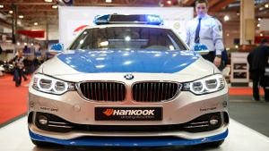 Essen Motor Show 2013: BMW 4er Coupé ist neues Tune-it-Safe-Polizeiauto