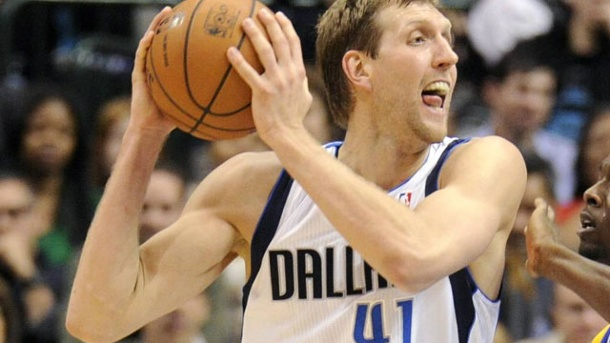 Dirk Nowitzki verliert mit Dallas Mavericks bei den Golden State Warriors.  (Quelle: imago/Icon SMI)