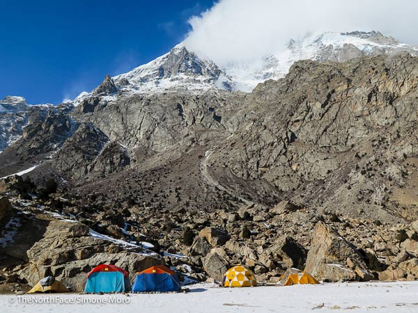 Nanga Parbat: Basecamp. (Quelle: The North Face/Simone Moro)