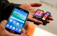 Samsung Galaxy S5, Gear 2 und Gear Fit (Quelle: Reuters)