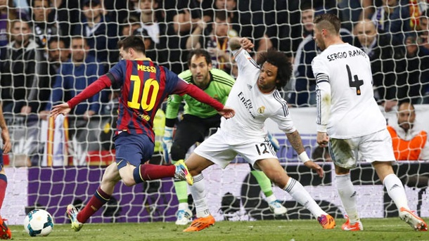 FC Barcelona ringt Real Madrid im Clasico nieder. Lionel Messi schießt Real Madrid fast im Alleingang ab. (Quelle: dpa)