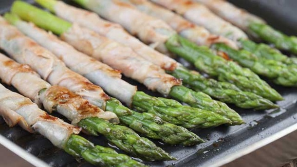 Spargel nicht immer nur kochen. Garmethoden: Spargel (Quelle: Thinkstock by Getty-Images)